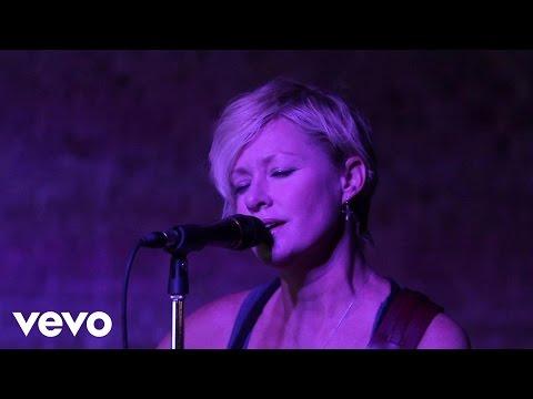 Shelby Lynne – Alibi #CountryMusic #CountryVideos #CountryLyrics https://www.countrymusicvideosonline.com/shelby-lynne-alibi/ | country music videos and song lyrics  https://www.countrymusicvideosonline.com