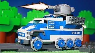 Полицейский поезд Лего обстрелян роботом. Лего мультфильмы
