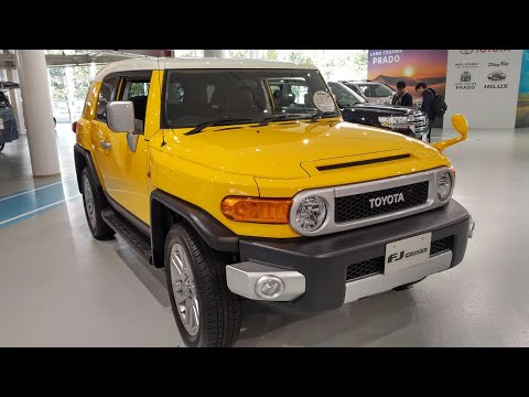 In Depth Tour Toyota FJ Cruiser - Indonesia