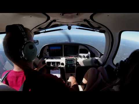 Cirrus SR20 G2 GTS VFR to KEEN with ATC/CTAF audio