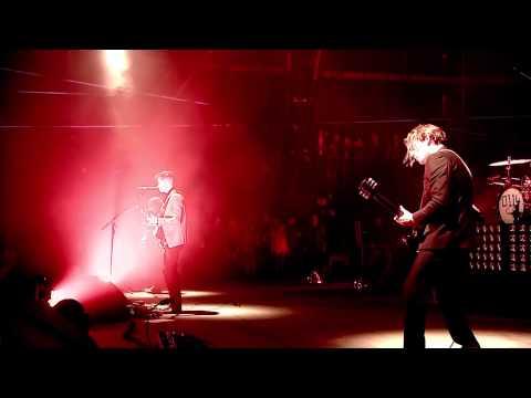 Arctic Monkeys - Fluorescent Adolescent @ Glastonbury 2013