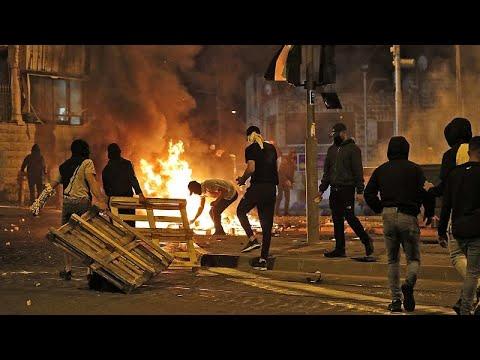 فيديو | مواجهات ليلية بين المتظاهرين والشرطة الإسرائيلية في القدس الشرقية …  - 11:54-2021 / 5 / 15