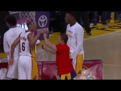 Thumbnail: Fan Hits Half-Court Shot at Lakers Game for $95,000!!