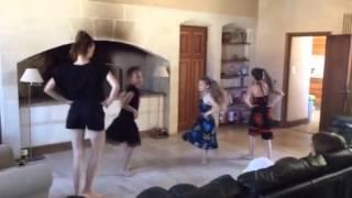 Танец - подарок маме на День Рождения(За три дня придумали и отрепетировали!!, 2014-06-21T12:37:13.000Z)