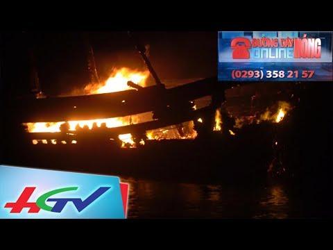 4 tàu cá của ngư dân Quảng Bình bất ngờ bốc cháy   ĐƯỜNG DÂY NÓNG ONLINE - 25/11/2017
