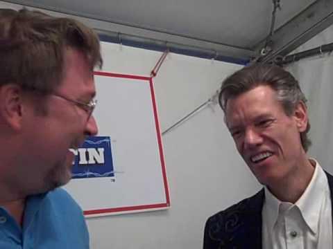 Bob Pickett visits with Randy Travis