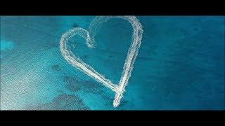 Baixar Anevo - One Kiss (Original Mix) [Music Video]