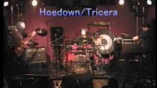 "ELP(Emerson Lake & Palmer)のトリビュートバンド(TRICERA:トリケラ)が2009/6/28に行ったコンサートからの映像。 Please watch ""Tarkus"" and ""Pirates"" and ..."
