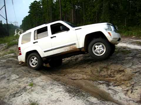 2008 Jeep Liberty Kk Off Roading 2 Wheel Flex W Rock