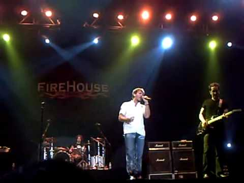 firehouse-i-live-my-life-for-you-live-in-jakarta-indonesia-16-june-2010-jurnallica