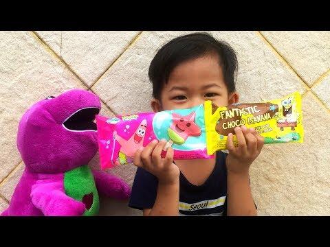 Rafa Main Petak Umpet di Taman Bermain + Beli Es Krim Spongebob & Petrick Strawberry | Hide and Seek