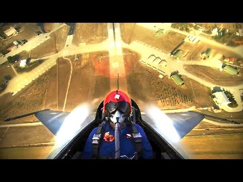CRAZY video of an F-16 Fighter Jet climbing to 15 000 ft in 20 seconds!