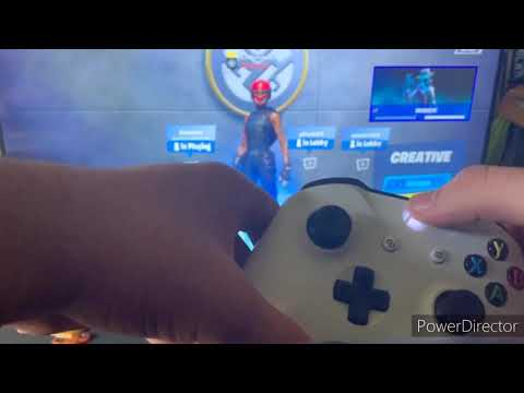 How To Play Split Screen On Fortnite For Xbox/PS4(Very Easy)