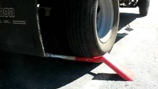 Video Corona® Trenching Shovels - Run Over by 15,000 lb Truck - Northern Ash Wood Handle - Blade Down download MP3, 3GP, MP4, WEBM, AVI, FLV Juni 2018
