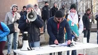 В Екатеринбурге 1000 человек голосуют за выдвижение Навального в президенты