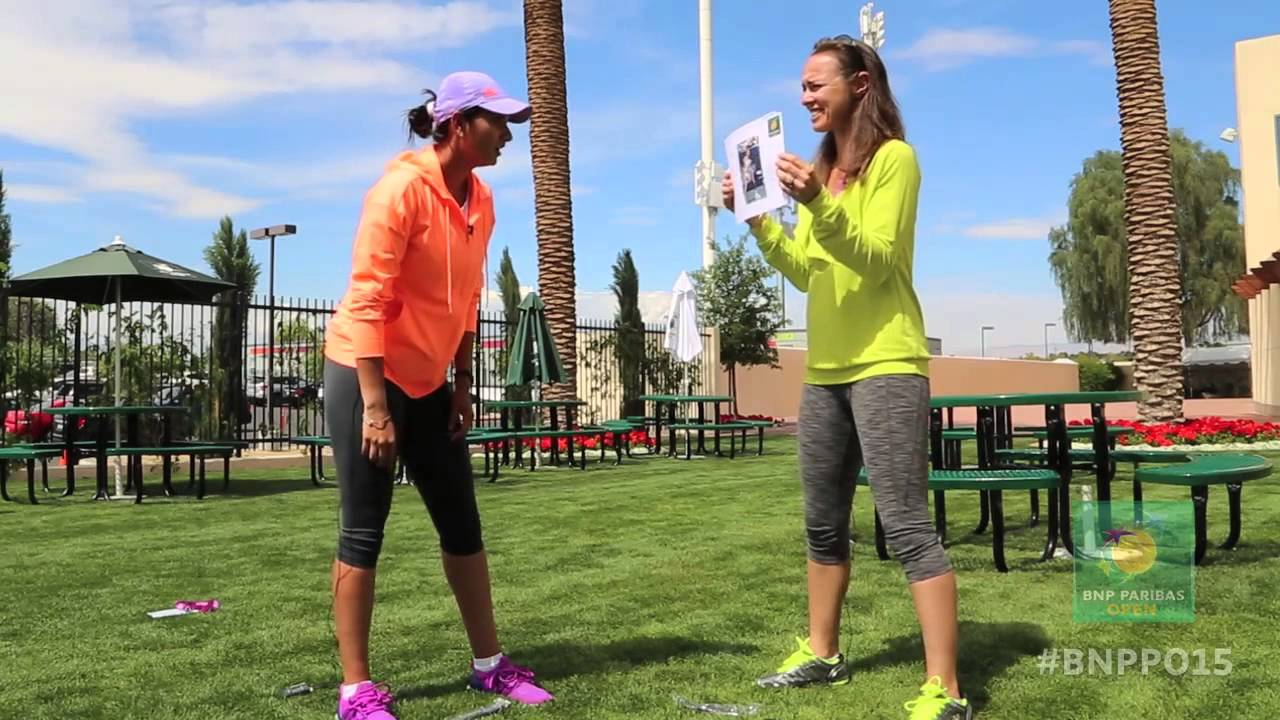 Martina Hingis & Sania Mirza Try Hand at Guessing Game - YouTube