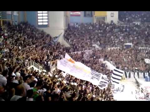 Paok sport arena 10000 basketball crazy fans jumping - Paok salonique basket ...