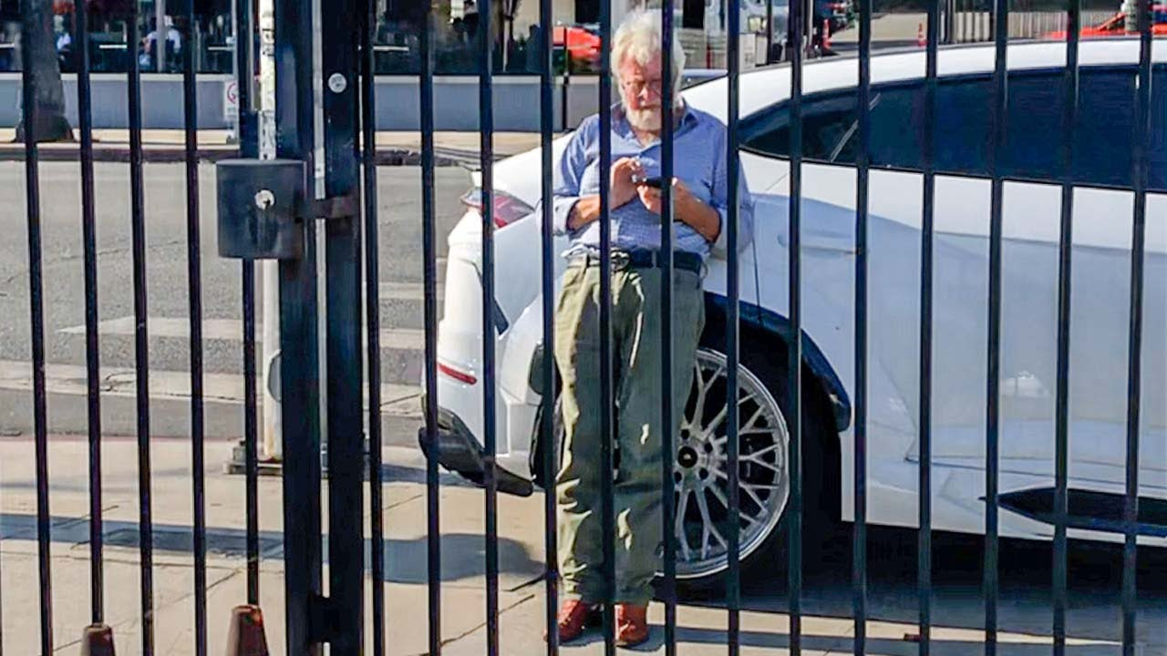 Caught leaning on Vik's Lamborghini, NEW MAYBACH S MURDERED.