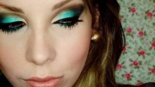 """Maquiagem com sombra """"verde azulada"""", com Luciane Ferraes"""