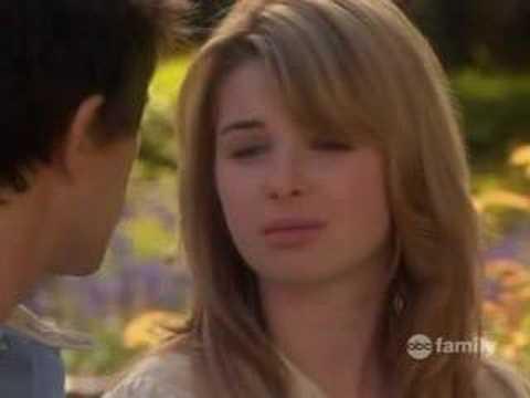 Kyle And Amanda Kiss