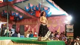 Komal Sharma ka jabrjast Dans Hanutiya me