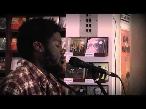 Michael Kiwanuka - Bones (Live)