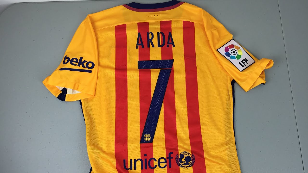 brand new 053db 05f20 Review: 2015/16 Authentic Barcelona Away Jersey [4K]