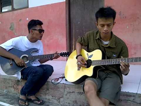 Iwan Fals - Belalang Tua ( @muhzalevi & Dika )