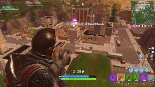 Fortnite garbage player trying to get a win