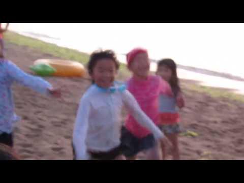 河野道場夏の海稽古ビーチフラッグ対決(低学年女子の部)