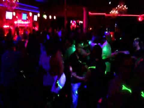 Reapertura el castillo night club restaurant youtube for Follando el la piscina