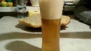 Атас! Пиво из пакетика заваривается.(Вот этого нанопива реклама: http://www.youtube.com/watch?v=CWM_B7cfouA После видео попробовал еще раз на вкус. Первый раз смути..., 2012-01-10T01:44:16.000Z)