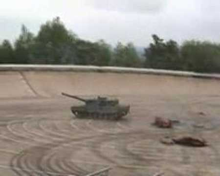 4c5d966daaf4 Drifting Leopard 2 - YouTube