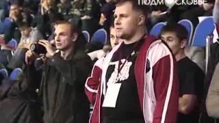 видео Женский бой по правилам ММА в Афганистане. И пение болельщиков на UFC в Ливерпуле