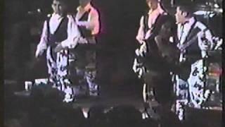 Selena and Los Dinos live @ San Antonio in 1991 (famous cow print outfits) - Contigo Quiero Estar