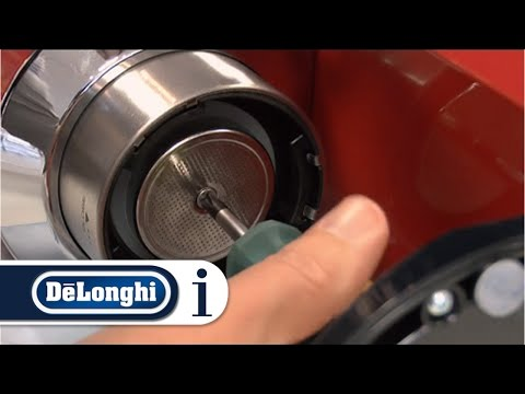 How to Clean the Coffee Outlet of Your De'Longhi Pump Espresso Coffee Machine