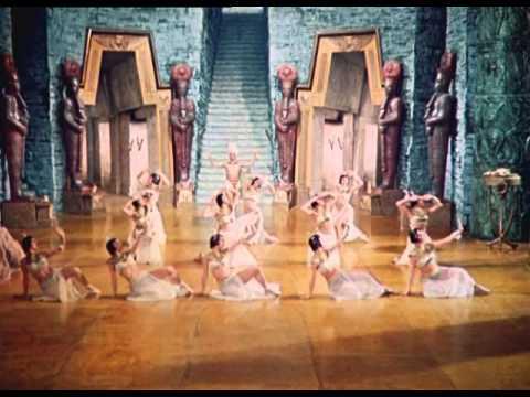 AIDA (1953) cerimonie solenni e danza delle sacerdotesse.
