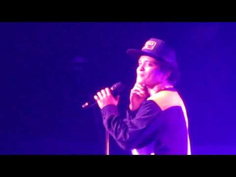 Bruno Mars 11.7.17 LA Forum Calling all my lovelies