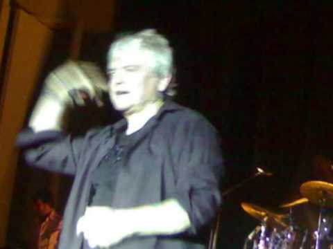 Air Supply Live in Davao  - Taking a chance - Bobby Sato