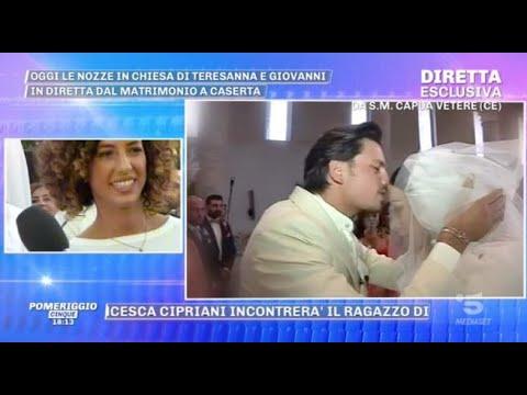 Teresanna Pugliese sposa. Ma che caos per l abito! L outfit è demolito  0e2b12c1d4e