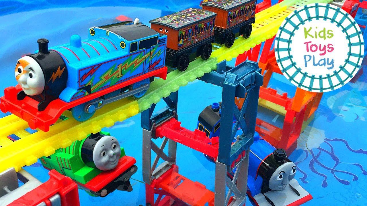 Thomas and Friends Trackmaster vs Duplo Lego Train Crashes