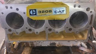 The Cat 3208 Engine.  Know Your Engine. Engine Design And Problems.  Cat 3208.