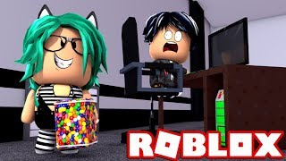 BABY LULY IS THE MOST FEARFUL BEAST!! HACKEA OR DIE in ROBLOX (Flee The Facility) 😱