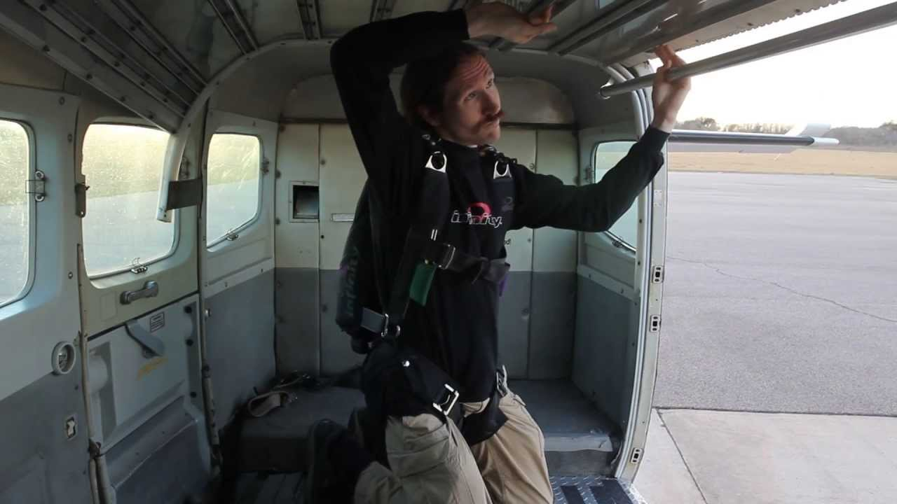Skydiving Airplane Door Operation: Twin Otter, Caravan, SuperVan (Super  Caravan)