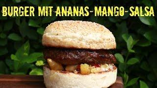 dry aged Burger mit Ananas-Mango-Salsa