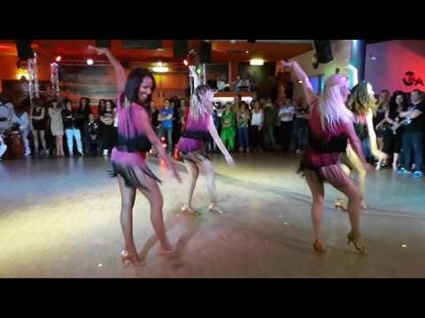 Lady Style Bailando con mi Havana di Oscar Savon