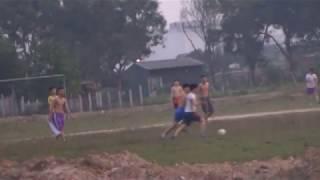 Massa hope - Cac cầu thủ Làng phách đá bóng chán như đội amater