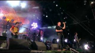 16 - Blur - The Universal (Glastonbury 2009)