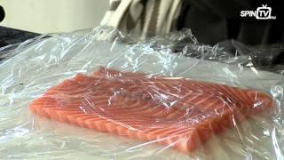 Rouleau de saumon poché