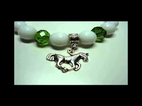 Идеальный подарок на 2014 год. Браслет из натурального камня с символом 2014 года.